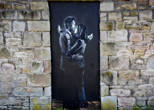 BANKSY - LOVERS KISS WALL canvas print - self adhesive poster - photo print